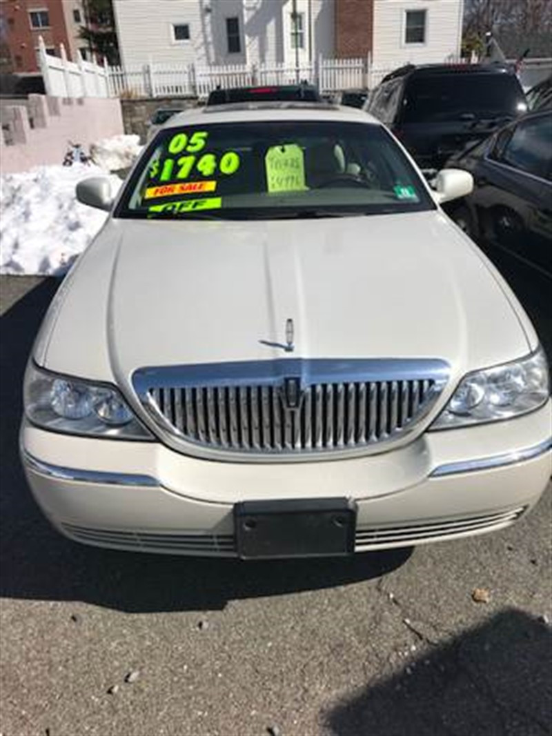 2005 lincoln town car for sale cargurus 2005 lincoln town car signature limited used cars in morristown nj 07960 sciox Images